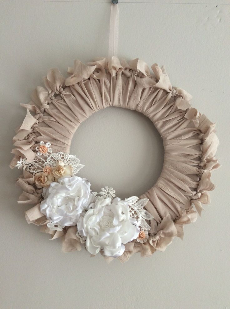 Handmade shabby chic fabric wreath with lace appliqué and flowers (burning method)