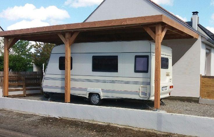 A adosser au mur de sa maison, une ossature bois à toit plat pour installer une voiture, une caravane, un camping-car ou même une table et des chaises pour un repas à l'ombre !