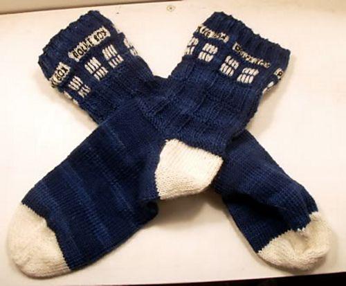 Tara's TARDIS Socks by Tara Wheeler free pattern on Ravelry at http://www.ravelry.com/patterns/library/tardis-taras-tardis-socks