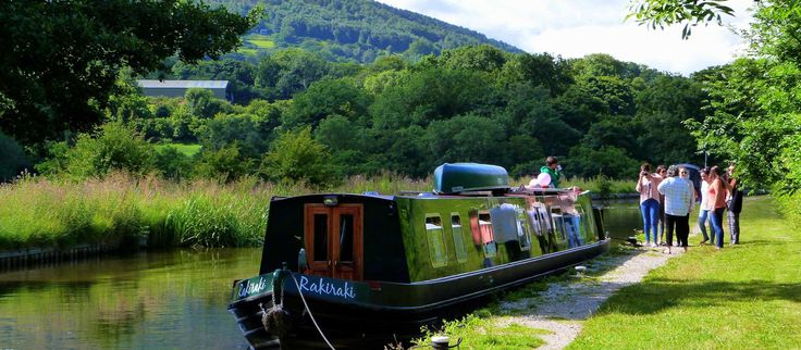 Wandering Duck Canal Boat Weekend.  Discounted weekend break for 4-6 Sept. Cheap Weekend Getaway in the UK countryside.