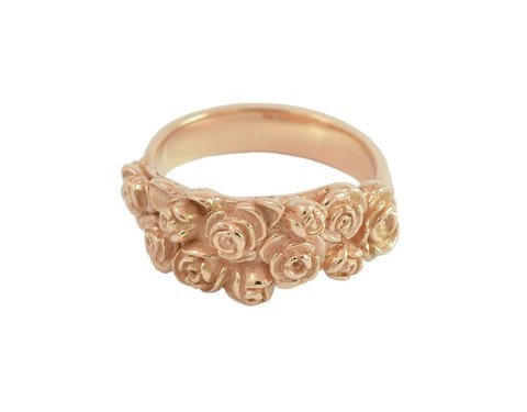 Posy of Roses. A bouquet of flowers in solid 18k rose gold.