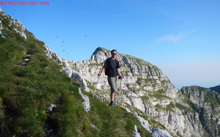 Salendo dal Rifugio Semenza alla vetta del Monte Cavallo 2251 mt http://www.ilmountainrider.com/itinerari/cima-manera-monte-cavallo-rifugio-semenza/