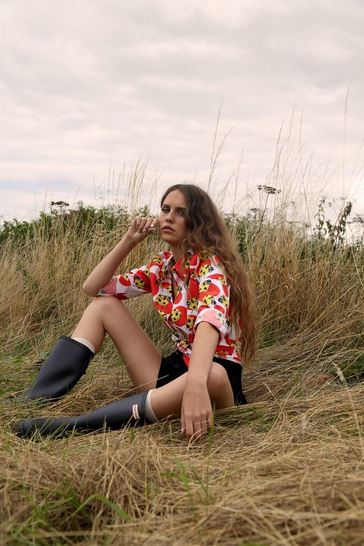 Kit Magazine online featuring Liisa Riski AW 2015/16. Photo by Eve Power, Styling by Danielle Goodman, model Keziah  Marechaux from profilemodels, makeup by Sophie Cox, hair by Patrick Forini