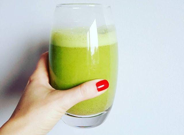Zielone koktajle: cytryna + imbir + pietruszka + siemię lniane
