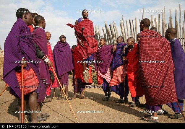 http://www.photaki.com/picture-masai-dance_373108.htm
