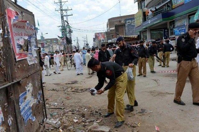 Τραγωδία στο Πακιστάν:Τουλάχιστον 10 νεκροί από βομβιστική επίθεση σε διαδήλωση: Τουλάχιστον δέκα νεκροί και σαράντα τραυματίες είναι ο…