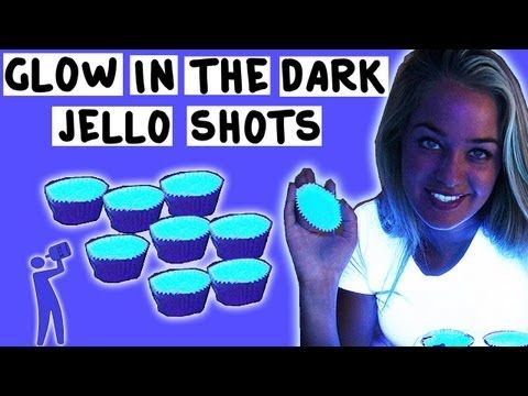 How to make Glow in the Dark Jello Shots - Tipsy Bartender - YouTube