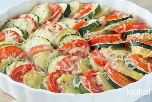 Drie kleuren groenteschotel