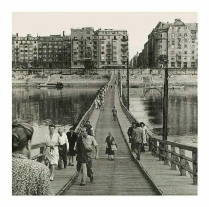 1947. A Manci híd.