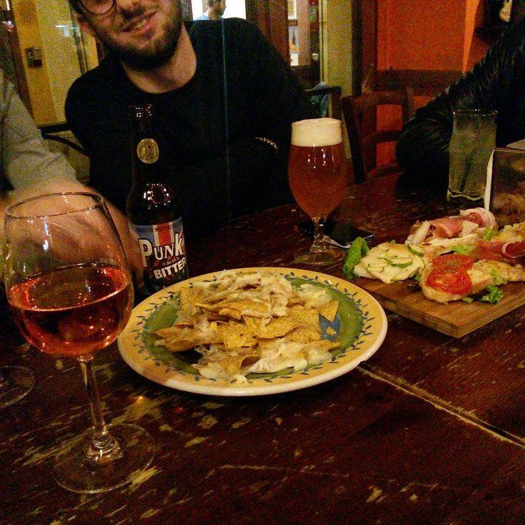 #fridaynight #friends #wine #food #rimini #albachiara #rose #nachos #cheese #foodporn #winetime #cantina #italy  by silviiette