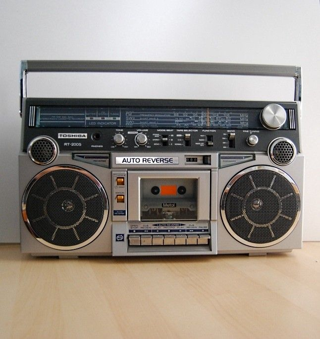 43 best images about 80 39 s 90 39 s boom box radio on pinterest ebay auction ipod dock and ll cool j. Black Bedroom Furniture Sets. Home Design Ideas