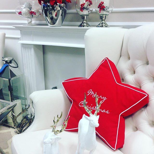 @hamptons_pl #christmasdecor #święta #redamarylis #red #świątecznyklimat