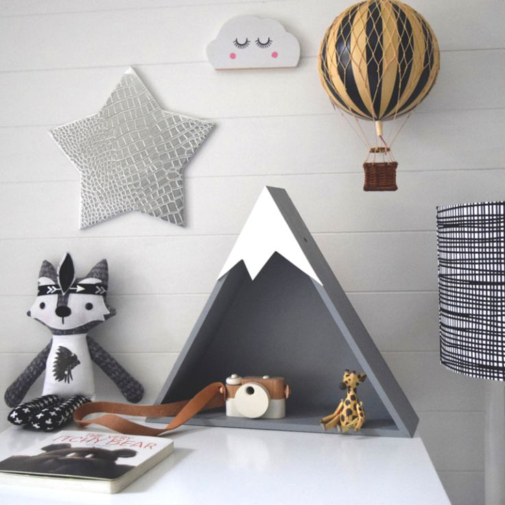 Best 25 kids room shelves ideas on pinterest airplane for Mountain shelf diy