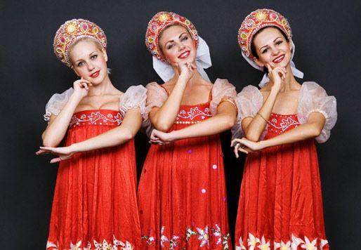 Resultados de la Búsqueda de imágenes de Google de http://www.absolutrusia.com/wp-content/uploads/2009/09/vestimenta_rusa.jpg