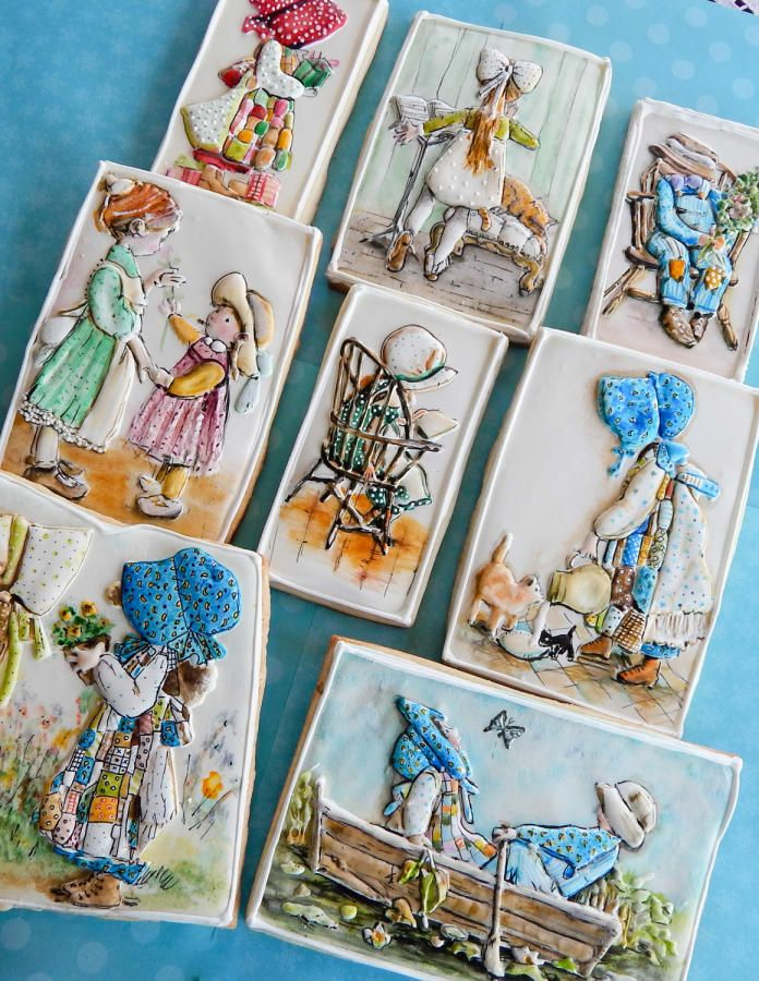 I am pretty obsessed with the illustrations by American Holly Hobbie who created this wonderful fictional character. These cookies are for a class I will be teaching in Spain next weekend. :0)