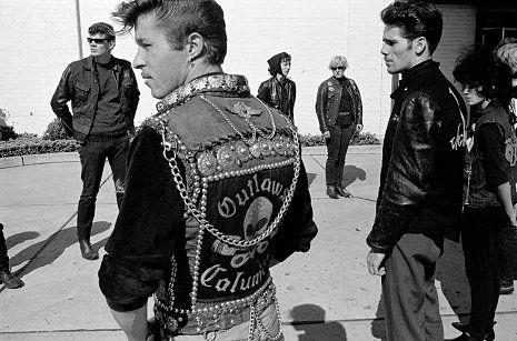 Outlaw Biker: The photography of Danny Lyon - Renegade's funeral. Detroit, Michigan (1965) | Dangerous Minds