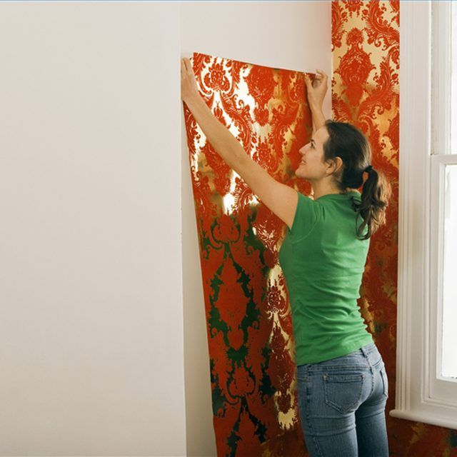Apply Water to Prepasted Wallpaper