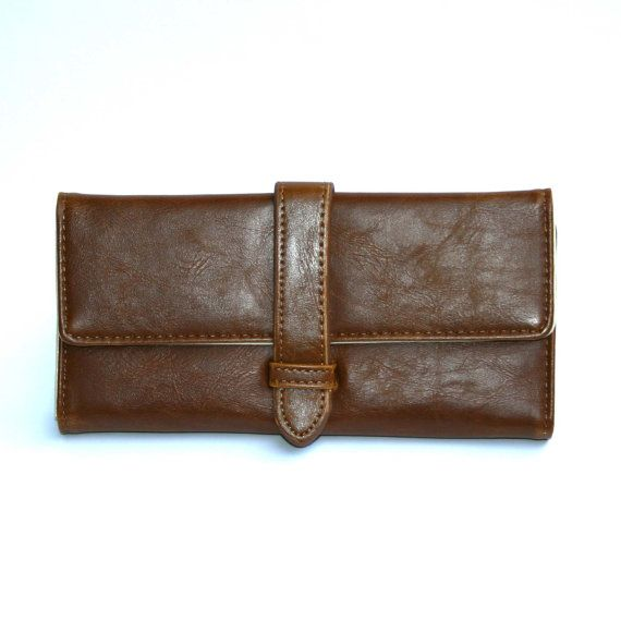 This wallet will allow you with its almost magic ability to hold everything you want. It has enough space for your cards, money and everything else,