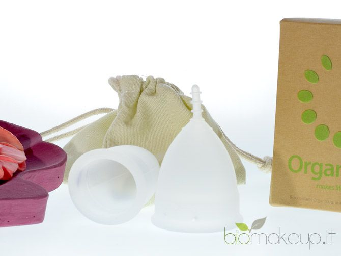 La coppetta mestruale è una moderna alternativa a tamponi ed assorbenti, eco-friendly e salutare.