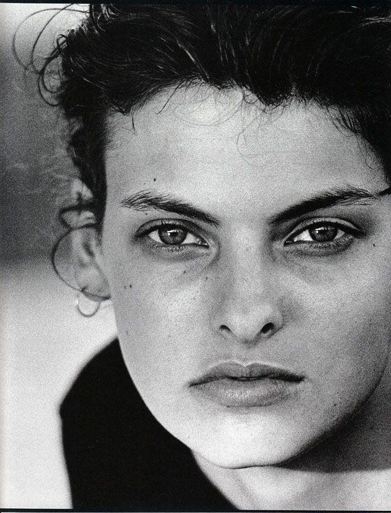 Photos PETER LINDBERGH Vogue IT - Linda Evangelista - Oct 1988