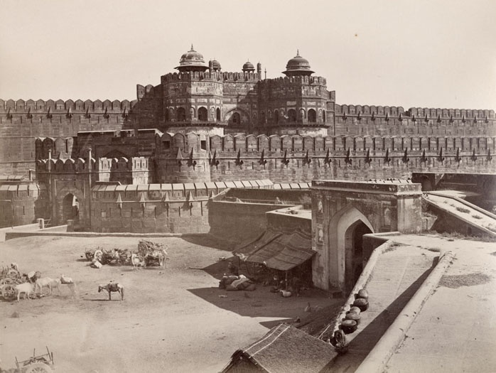 A gateway to the Red Fort in Delhi. Parts of Old Delhi date back more than 2,000 years, when the city was known as Shahjahanabad. The fort was designated a UNESCO World Heritage Site in 2007. Image copyright RGS-IBG.