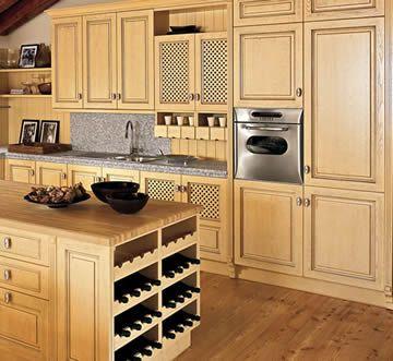 Dise o de cocinas puertas en madera en linea 3 cocinas for Diseno de puertas