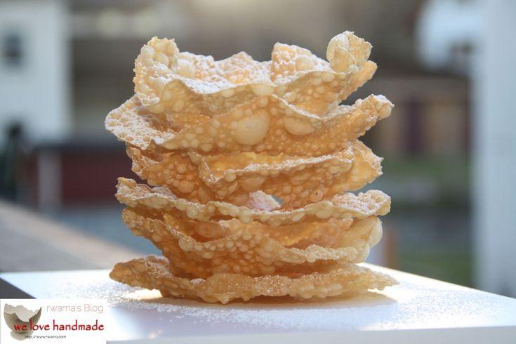 Fasnachtschüechli Leider werden Fasnachtschüechli zu selten selber gebacken. Es scheint einfacher zu sein in diversen Grossverteiler welche zu kaufen. Kleine Bäckereien verzichten oft auf die hausg…