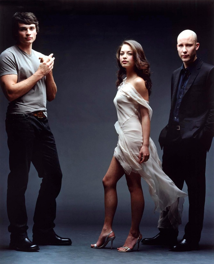 i was reeeally into Smallville once upon a long time ago but can you see why??? lol Lana is absolutely Gorgeous!!!