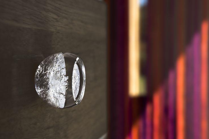 Bouton de meuble Alberto Argent sur insert - avec fenêtre