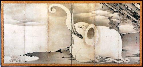 """坂井直樹の""""デザインの深読み"""": 「奇想の画家」として人気の高い若冲の最晩年にあたる1795年前後に描かれたものみられる屏風が見つかった。波打ち際に座る白い象と、黒い鯨が潮を吹き上げている様子が大胆に描かれている。"""