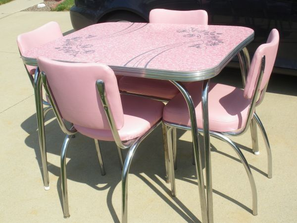 VINTAGE PINK FORMICA TOP 50's TABLE and 4 chairs..NICE!   Vintage