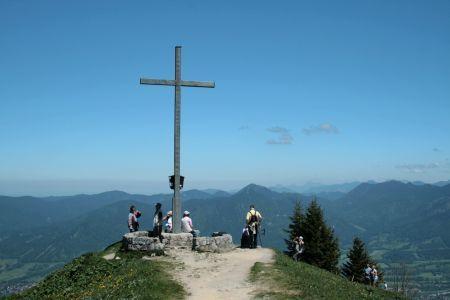 Das Gipfelkreuz am Brauneck
