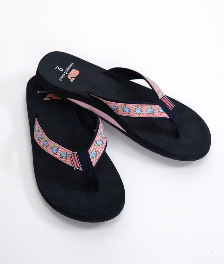 Sea Turtle Flip Flops from Vineyard Vines! So want these!