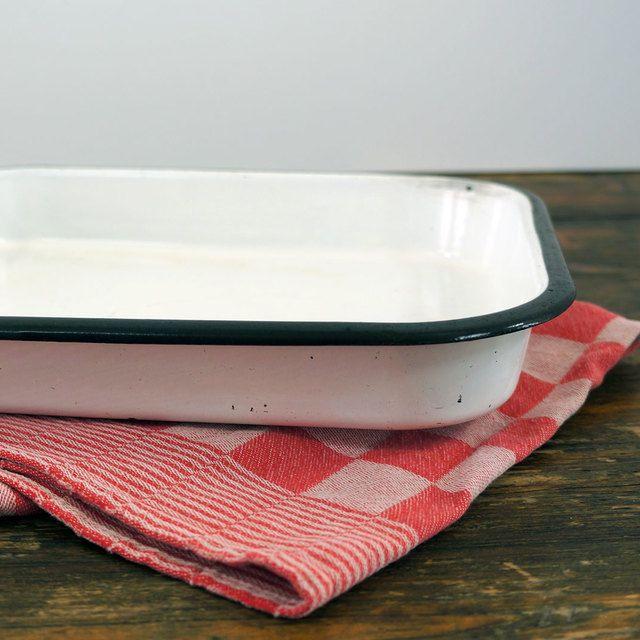 Wit geëmailleerde ovenschaal