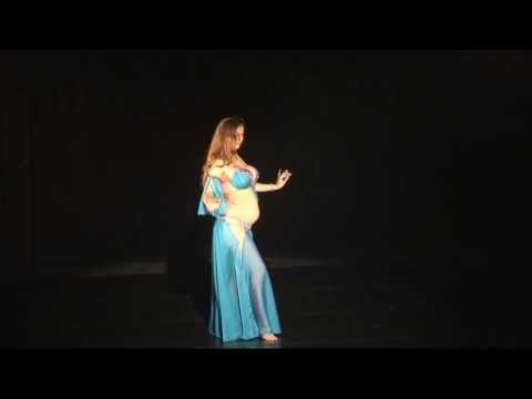 Потрясающий танец девушки, от которого перехватывает дух