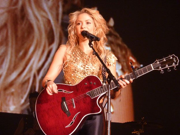 El último hit de Shakira fue escrito para una mendocina.