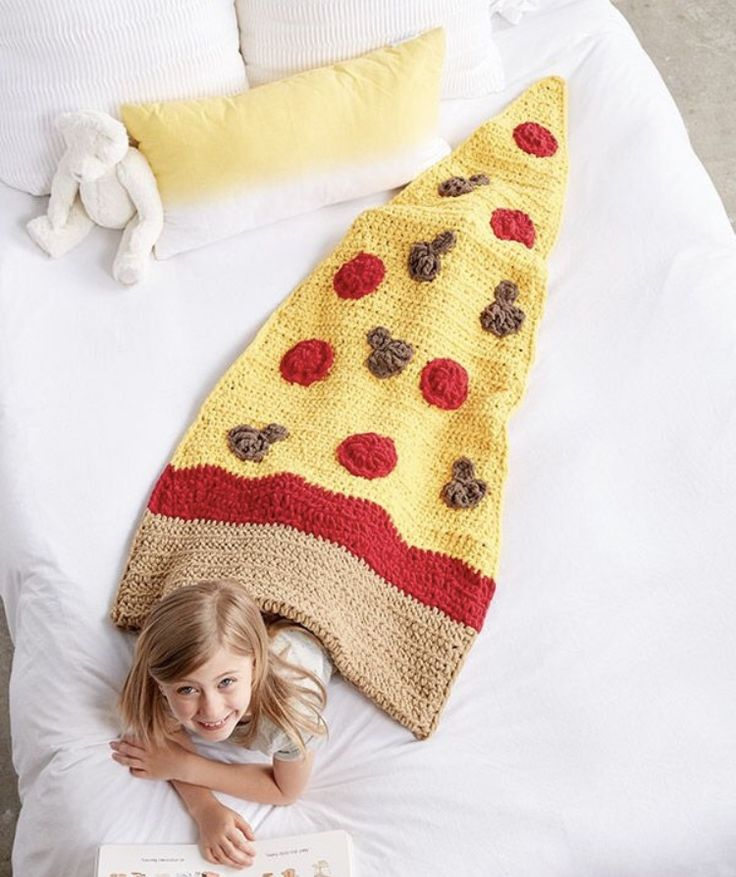 Pizza crochet blanket