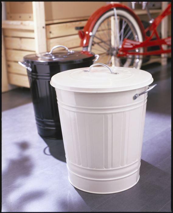 Knodd Bin With Lid White Hallway Organization