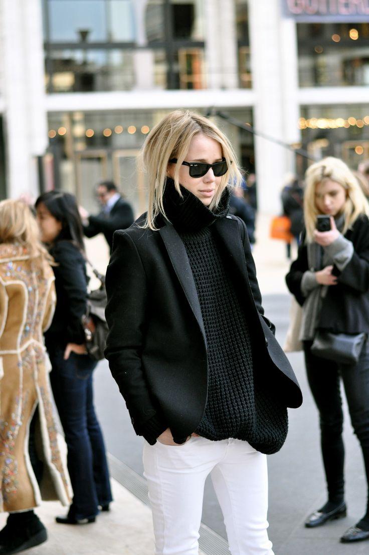 white jeans for cold weather: Fashion, Winter, Black And White, Street Style, Black White, White Pants, White Jeans, Black Blazers, Elin Kling