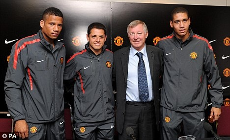 Sir Alex Ferguson with Bebe, Chicharito and Chris Smalling
