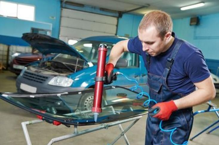 CSR Windscreen is a workshop for changing windows and windscreens in Perth. We take care of the exterior appearance of your car.