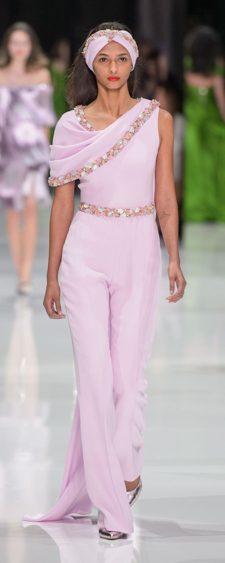 Ralph & Russo Spring-summer 2018 - Couture - http://www.orientpalms.com/Ralph-Russo-7012 - ©ImaxTree