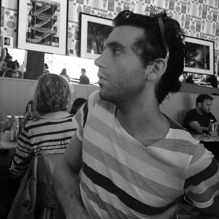 """from Doriand Chanteur's FB """"Petit dej à Hollywoodland avec Mika"""" means 'Breakfast at Hollywoodland with Mika' 2/25/2014"""