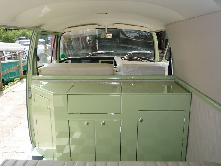 1000 ideas about t5 camper on pinterest camper van for Vw kombi interior designs