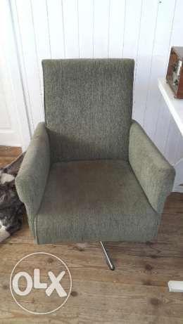 200 zł: Sprzedam fotele są z lat 70tych w bardzo dobrym stanie. Tapicerka w idealnym stanie. Polecam