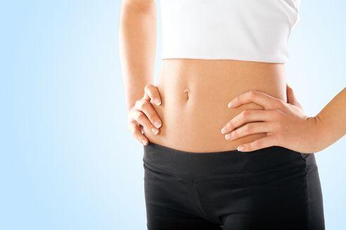 Esta rutina de ejercicios para abdomen plano y marcado tiene una duración de 6 semanas y esta diseñado para realizarla en c