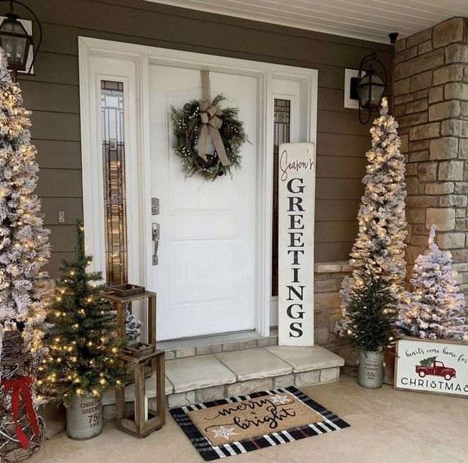 16 Country Christmas Decorations Farmhouse Front Porches 52 Bdarop Com Outdoor Christmas Decorations Christmas Porch Decor Outdoor Christmas