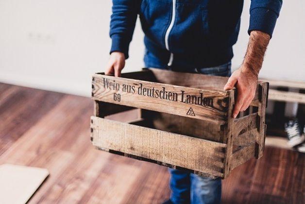*Alte originale Weinkisten (bis 50 Jahre alt) von deutschen Winzern mit Anti-Holzwurm-Wärmebehandlung(#) - keine neu-produzierte Retro-Ware.*  (#)(eingetragenes Gebrauchsmuster)  +HINWEIS: Unsere...