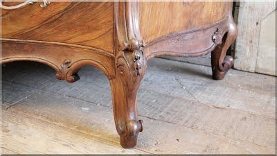 faragott dió bútorláb