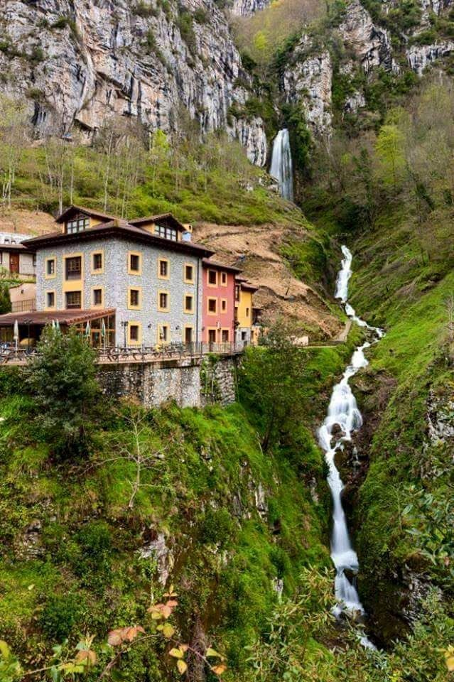 Cascade Bridge Aguasaliu- Vidosa, Asturias, Spain